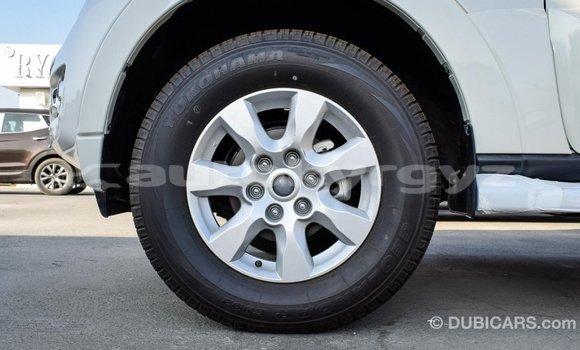 Buy Import Mitsubishi Pajero White Car in Import - Dubai in Batken