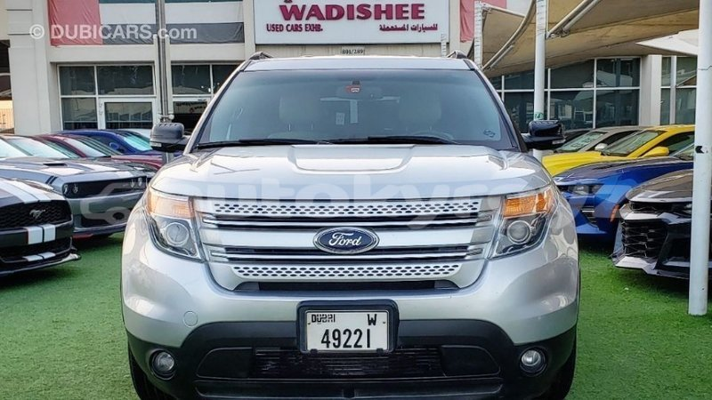 Big with watermark ford explorer batken import dubai 4010