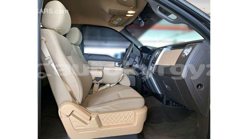 Big with watermark ford aev ambulance batken import dubai 4197